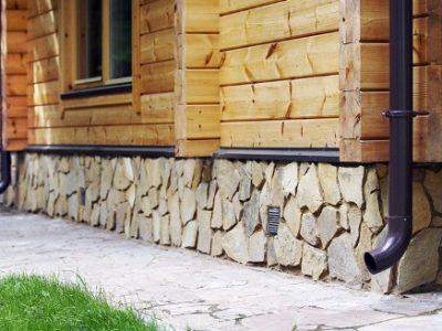 Обшивка дома сайдингом,отделка коттеджа камнем, кирпичом, штукатуркой,плиткой